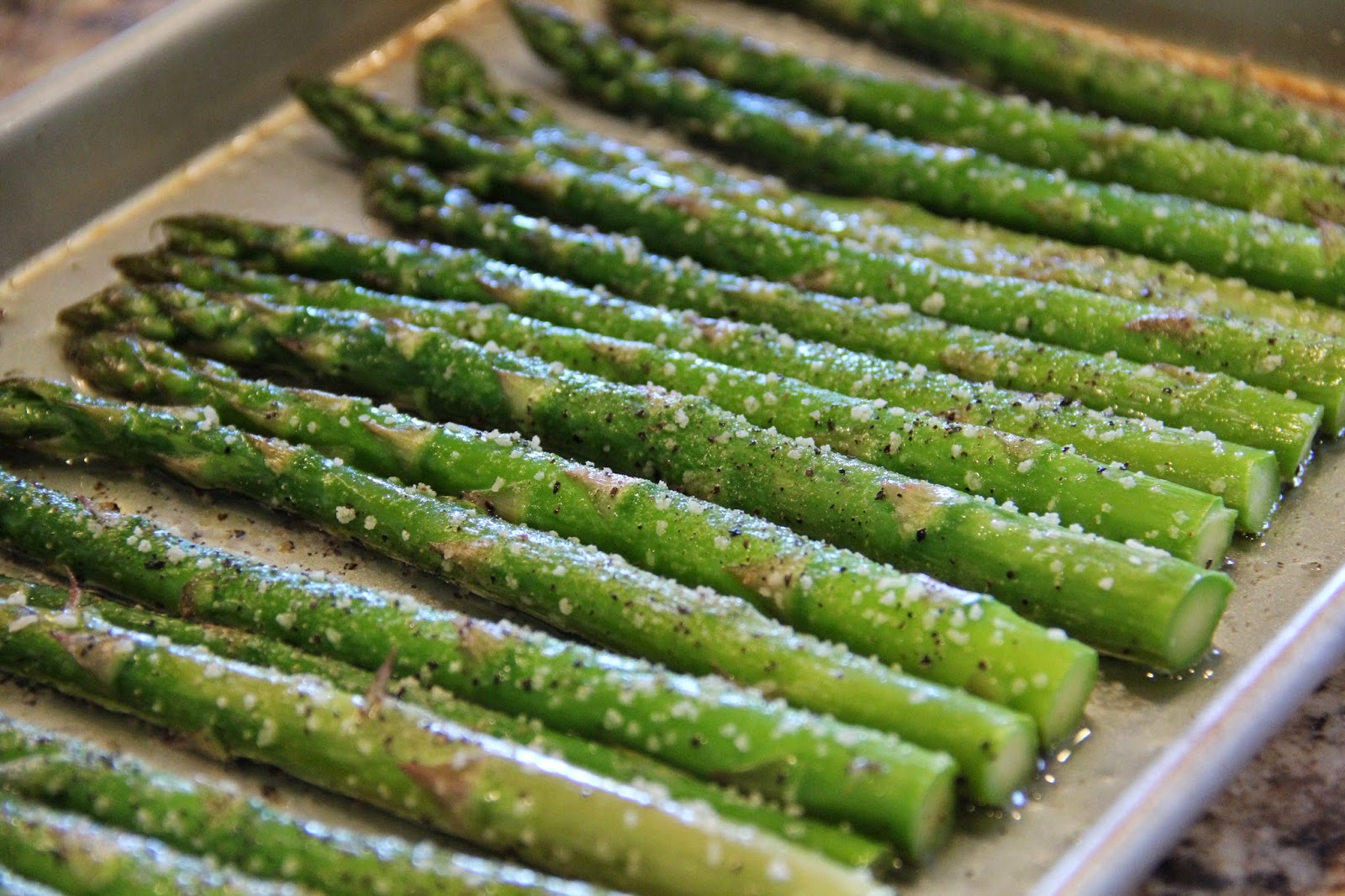 Cookie Sundays: Oven Roasted Asparagus Spears
