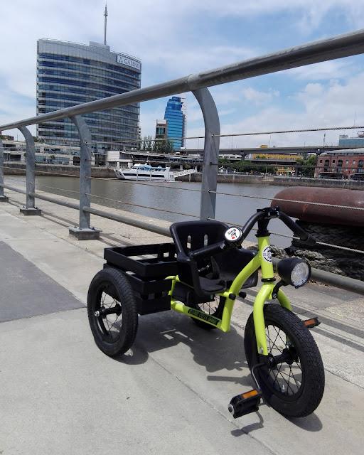 Triciclo Kustom Asiento regulable.