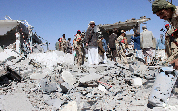 Serangan Udara Arab Saudi di Yaman Membom Masjid