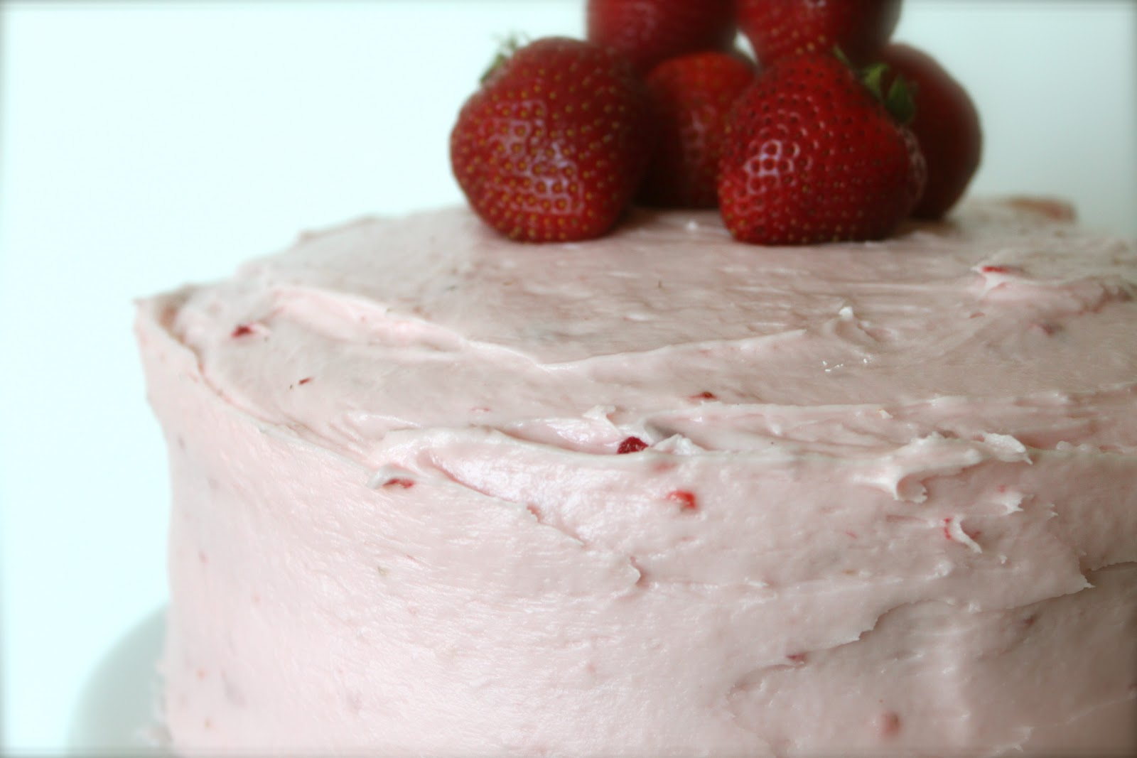 A Bountiful Kitchen: Fresh Strawberry-Jello Cake with ...