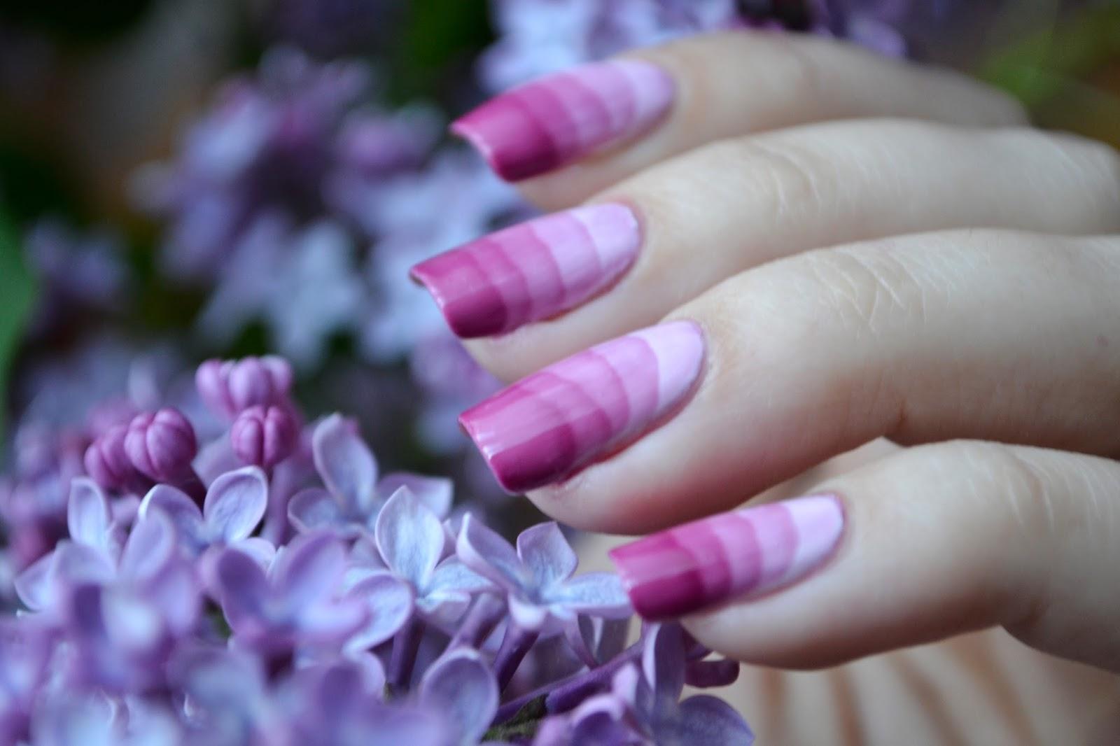 Фото сирени на ногти