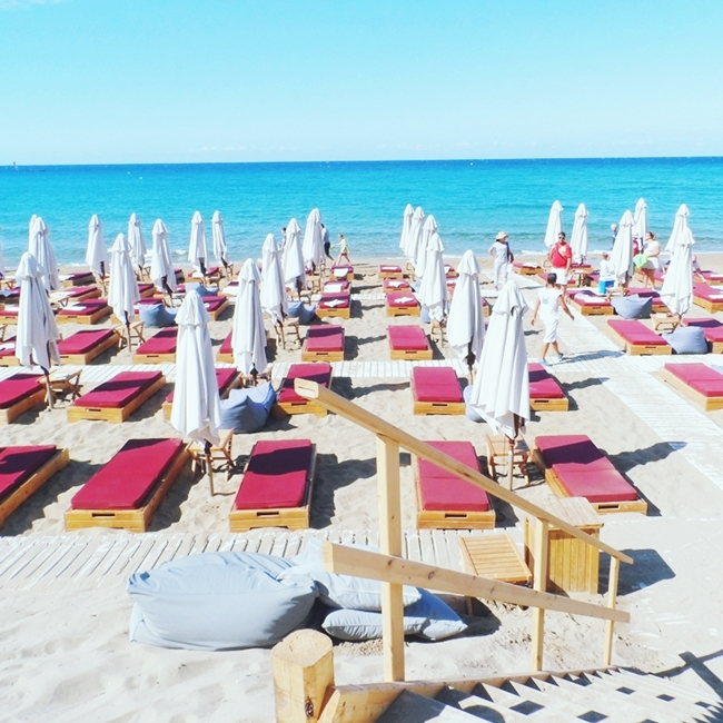 Jelena Zivanovic Instagram @lelazivanovic.Glam fab week.Pazuzu bar,Glyfada beach,Corfu.Where to go in Corfu.Gde ici na Krfu.