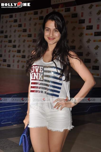 Ameesha Patel Hot Dabangg 2