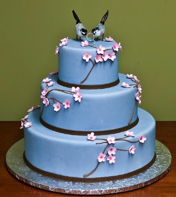 Beautiful Blue Wedding Cake with Flowers