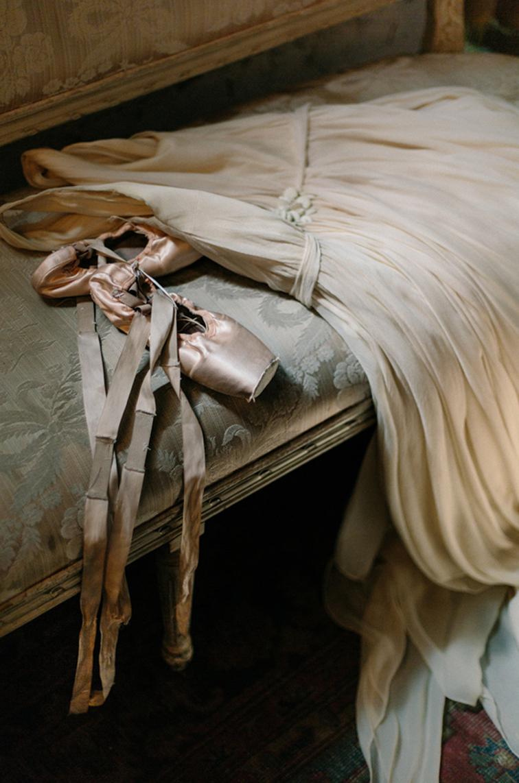 Ballet wedding dress, pointe shoes