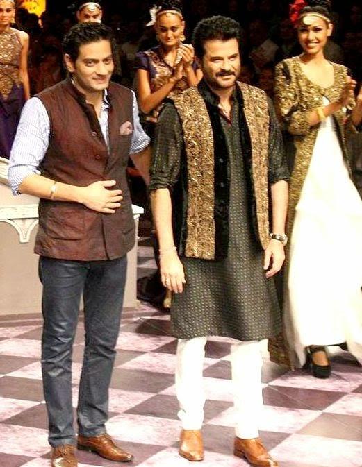 Raghavendra Rathore & Anil Kapoor at IBFW, waistcoat sets, waistcoat by raghavendra