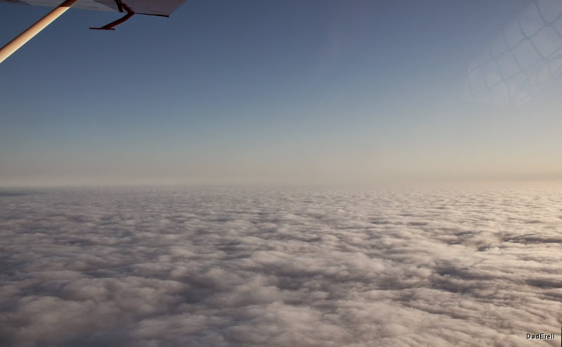 Vue d'avion sur le marine layer