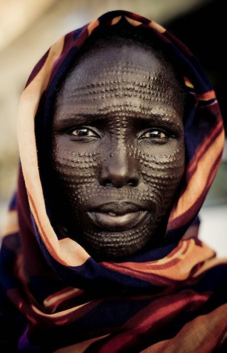 Wanita Suku Dinka