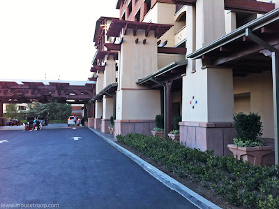 Walk Trek Paradise Pier Hotel to Disneyland DCA shortcut