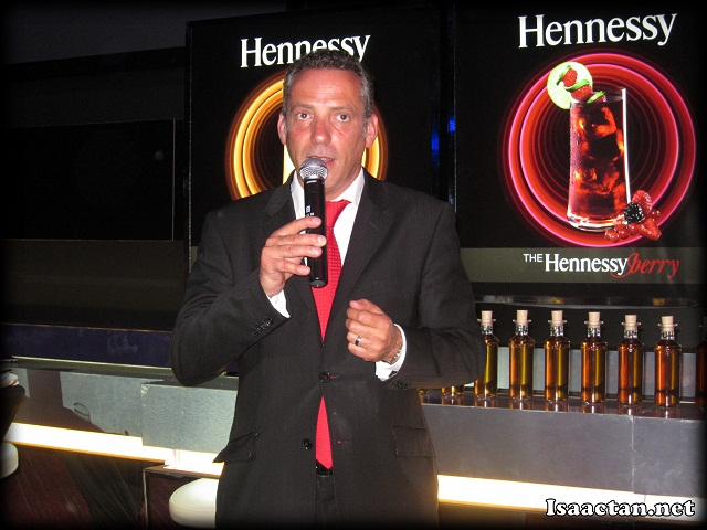 The really professional Olivier Paultes from the Hennessy House Tasting Committee