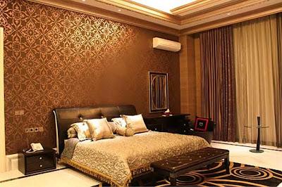 wallpaper kamar tidur Utama cream coklat