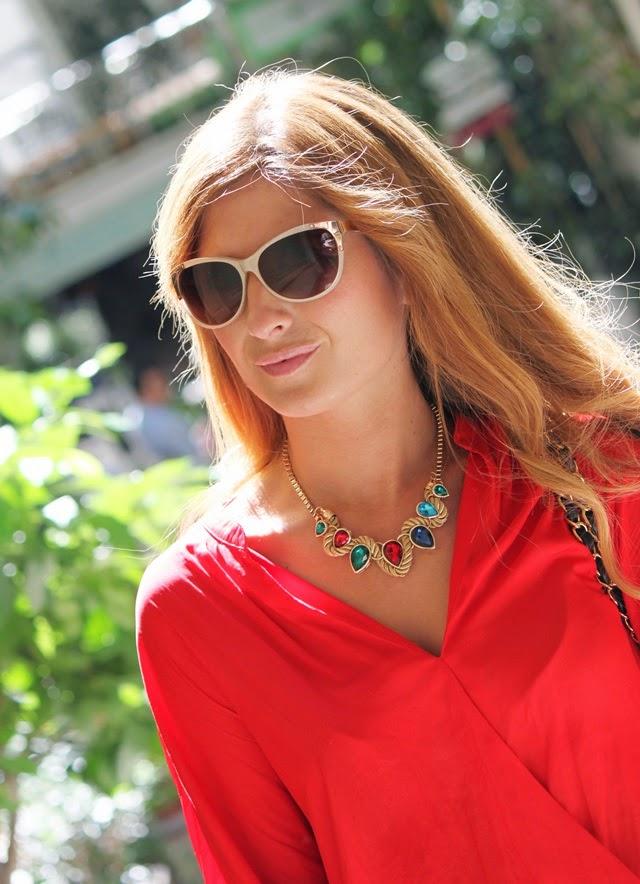 vestido_rojo-bolso_chanel