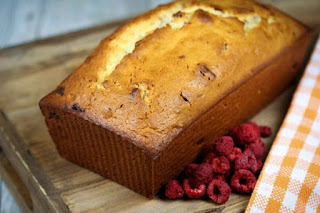 raspberry-bread-loaf
