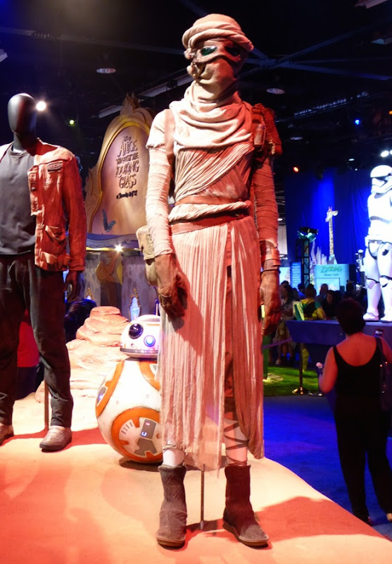 Rey Star Wars The Force Awakens movie costume