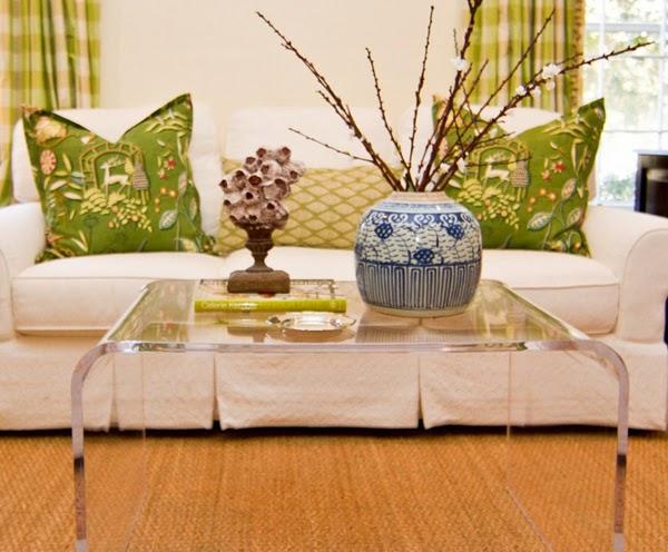 tavolini moderni dal design trasparente