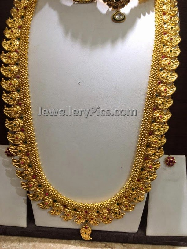 Gold Mangomala with muvvala chain