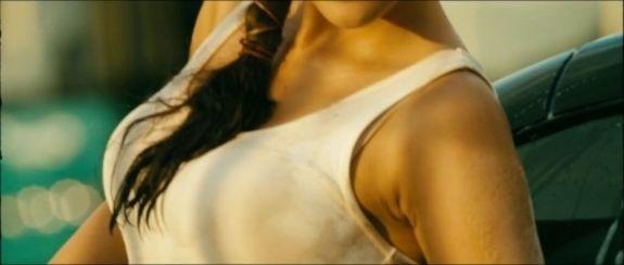 kajal agarwal car washing ..! actress pics