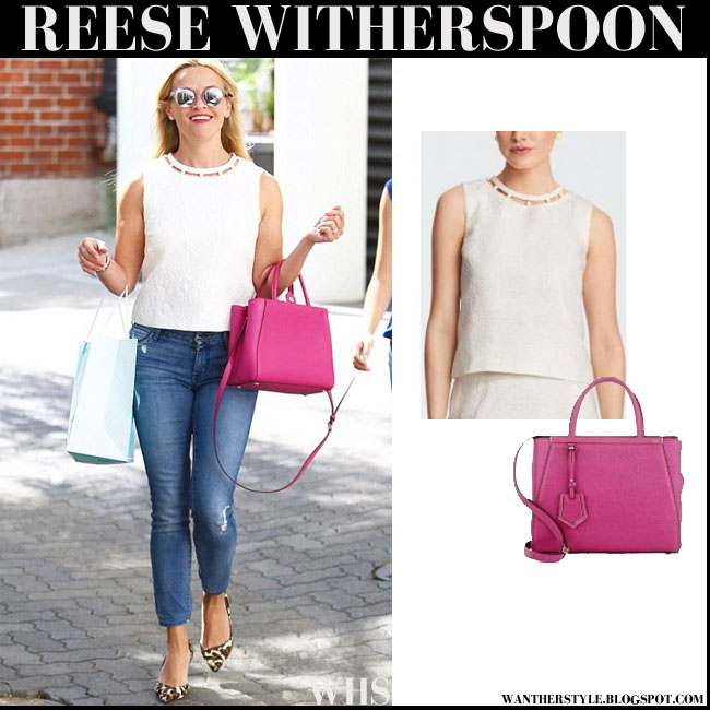 Resse Witherspoon with bright pink Fendi tote, white top and skinny jeans what she wore streetstyle