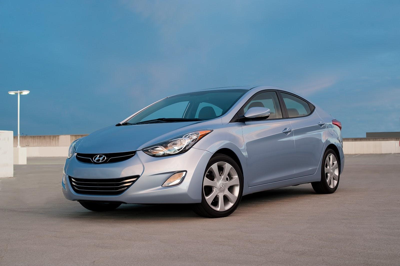 Weeklong Road Test Car Reviews by James Hamel  2011 Hyundai