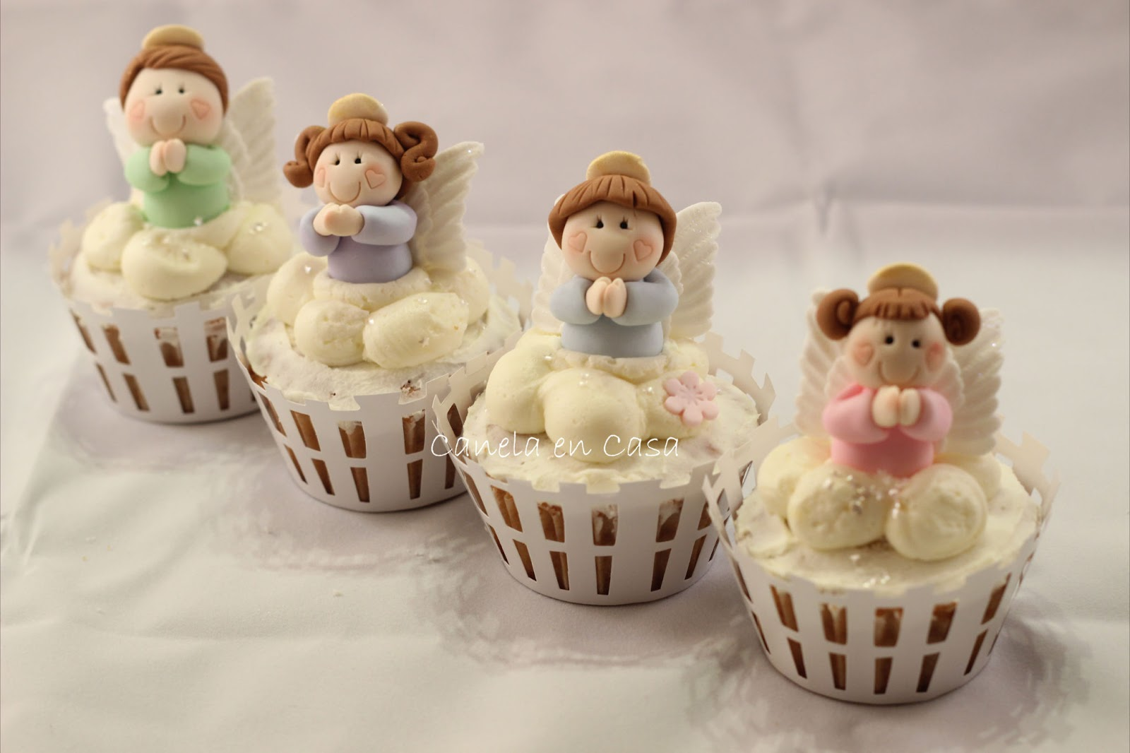 Decoracion bautizo ni a angelitos for Decoracion en cupcakes