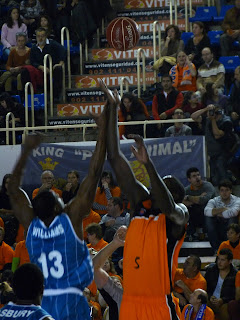 Salto inicial Williams y Sené.