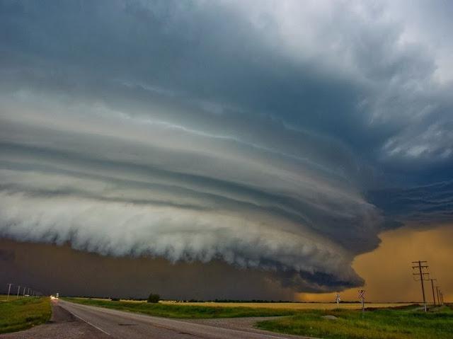 Приближение торнадо и суперячейка в Колорадо