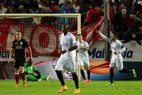 Sevilla player José Antonio Reyes celebrates after scoring a goal against Standard Liège