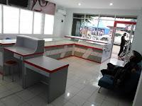furniture interior semarang  interior optik toko kacamata02