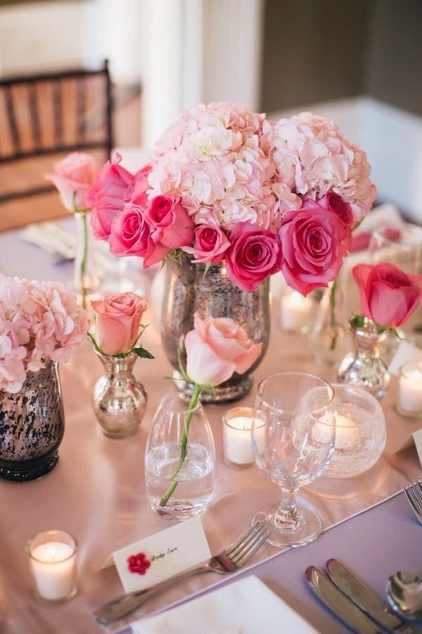 A Really Romantic Table Setting Using A Variety Of Vases And Coloured Roses So Beautiful And Easy To Recreate