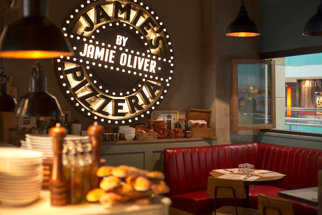 Jamie's Pizzeria - Amazing Ambiance