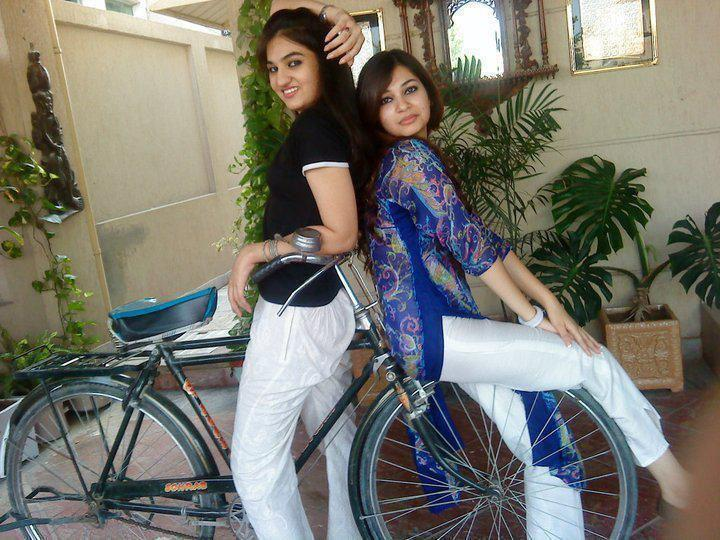 Girls cycle | Pakistani Funny Pictures
