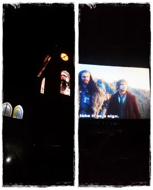 Iglesia de El Campello de noche durante cinema a la fresca