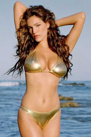 Kelly Brook3-Artis