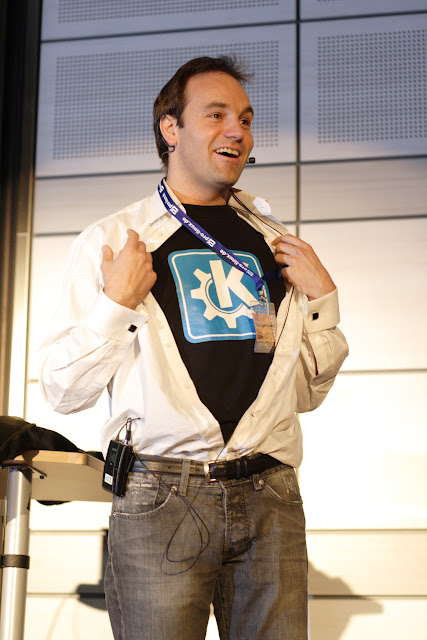 Mark Shuttleworth patrono do KDE
