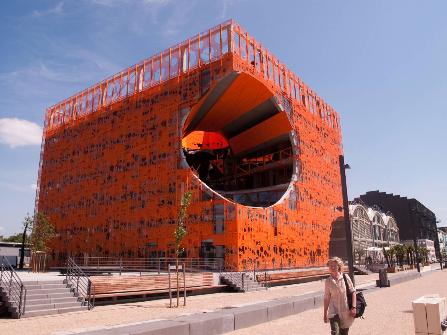 Le Cube Orange