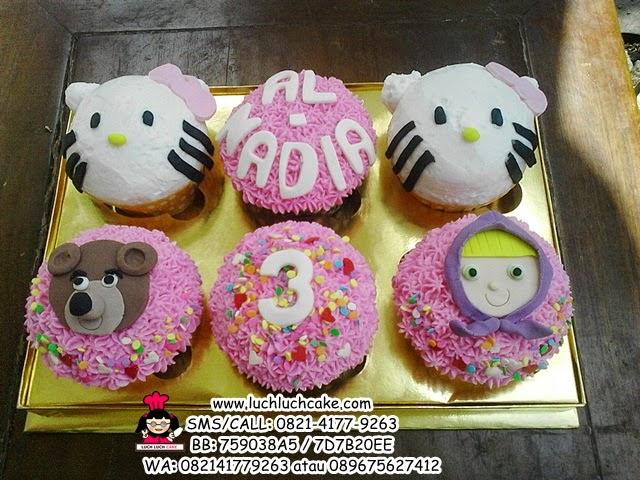 Cupcake Buttercream Masha and Hello Kitty Daerah Surabaya - Sidoarjo