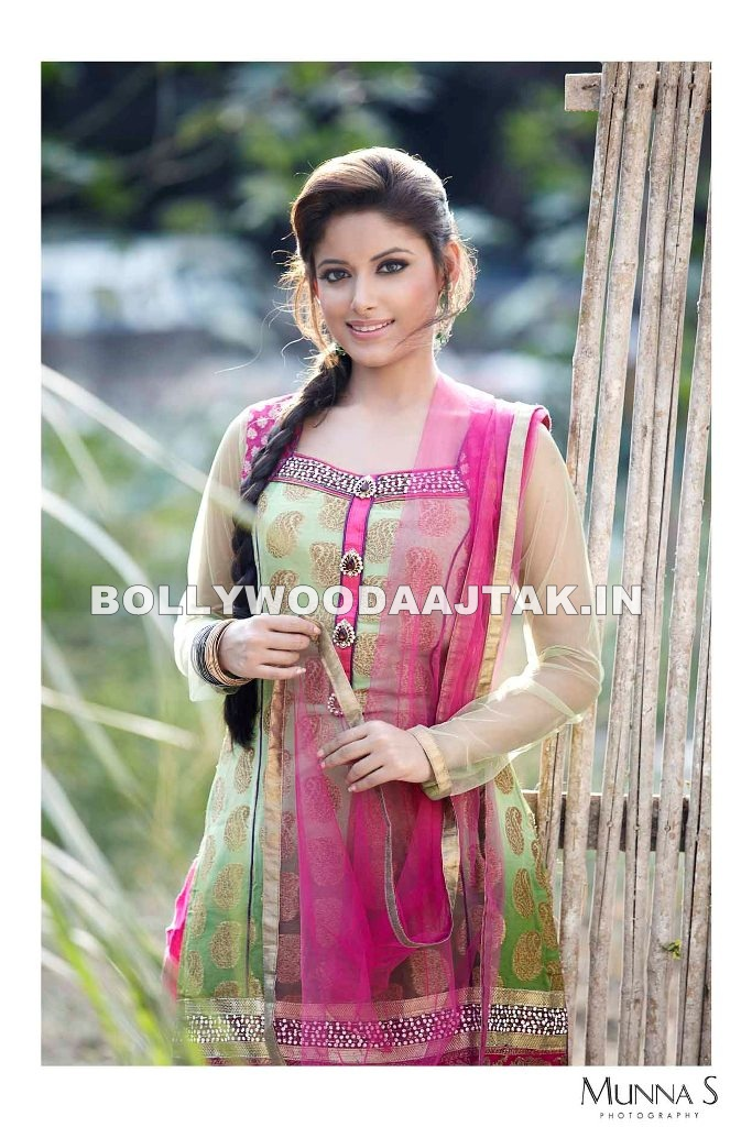  Sneha Paul in Green Pink suit -  Sneha Paul Salwar Kameez Suit Pics