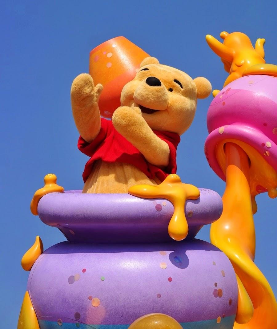 "<a href=""http://mataram.info/things-to-do-in-bali/visitindonesia-banda-marine-life-the-paradise-of-diving-topographic-point-inward-fundamental-maluku/"">Indonesia</a> best time to visit :; Fun Inward Tokyo Disneyland: Parade"