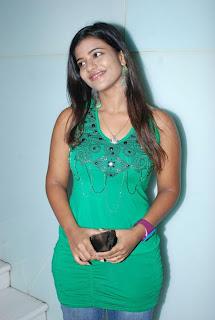 kalaignar tv anchor aishwarya 30.jpg