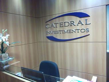 Letreiros em Letras Caixa para atendimento e decoração interna Catedral Investimentos São Paulo-sp