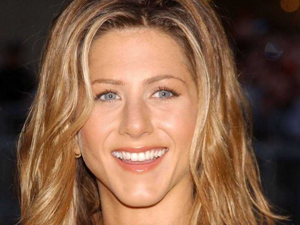 http://3.bp.blogspot.com/-aSpwYLZFShU/TacxaesKpBI/AAAAAAAACEY/2qzEMUeBP6g/s1600/Jennifer+Aniston+%252824%2529.JPG