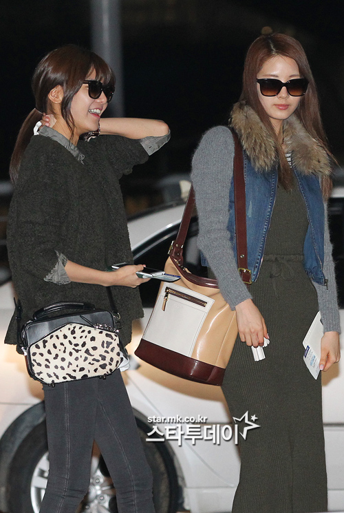 SNSD Airport Fashion - Seohyun & Sooyoung