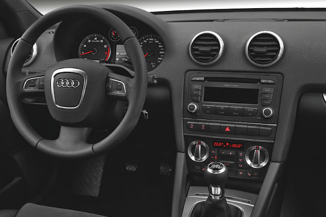 2011 Audi A3 Cabriolet Interior Entertainment
