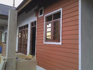 bina bungalow sendiri proses mengecat rumah 1