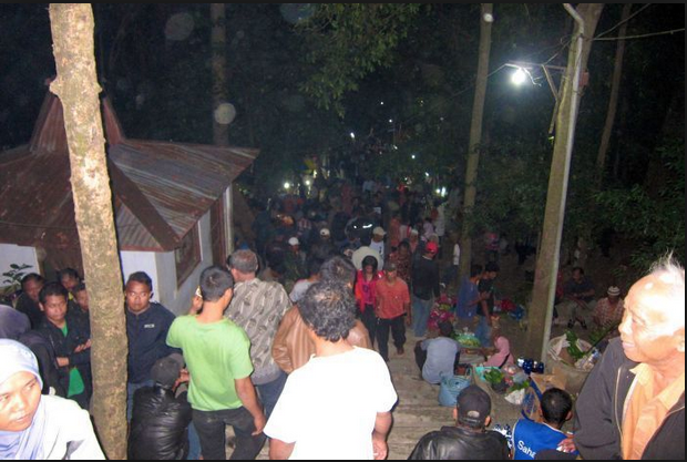 ... about a sex mountain where people go to have sex in the search of good: http://nollywoodscene.com/2016/01/31/see-the-sex-mountain-in-indonesia-where-people-visit-to-gain-favor-through-sexual-activities/