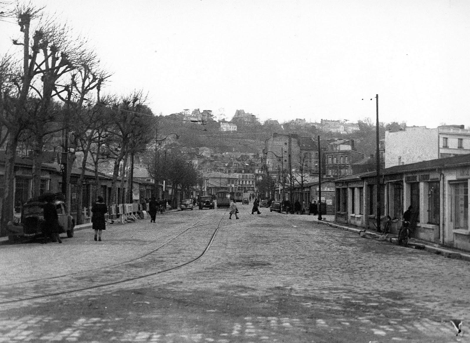 Photos historiques du réseau havrais (bus, tram, funi...) - Page 8 Cit%C3%A9+commercialesansc%C3%B4te2