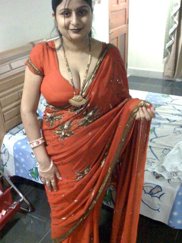 Sexy South Indian Aunties Pictures Photos Beautiful