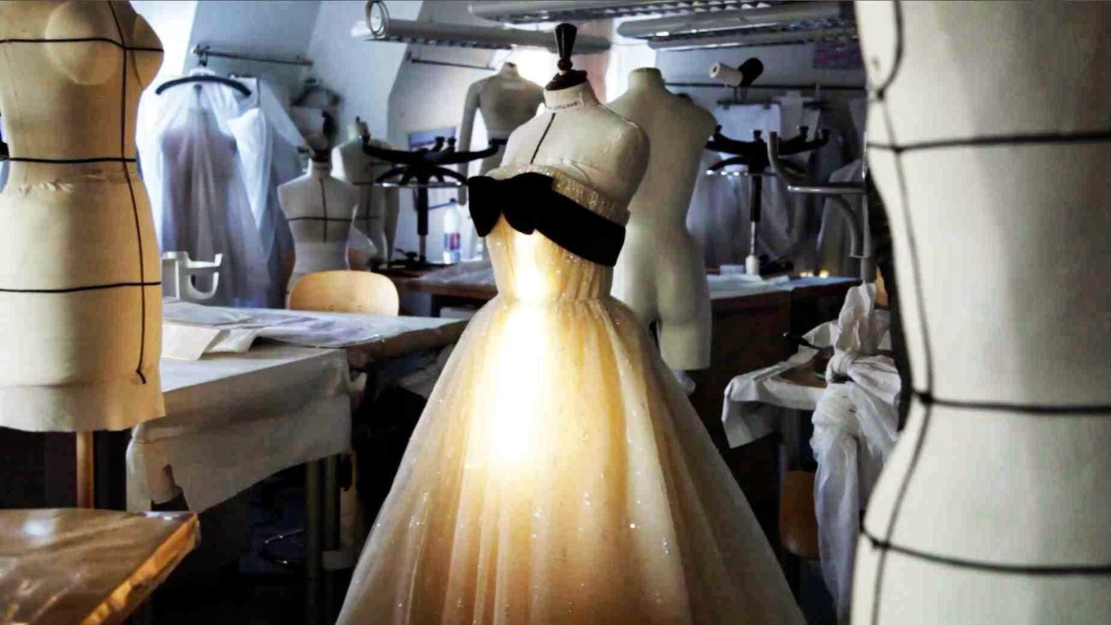 Chez roselyne moments et photos vol s sur le site de for Couture atelier