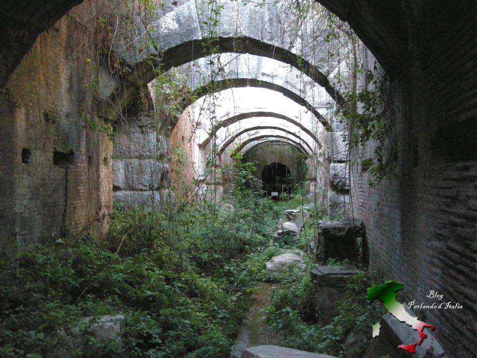Parlando d 39 italia capua a terra de gladiadores for Piso 0 inferior estadio da luz