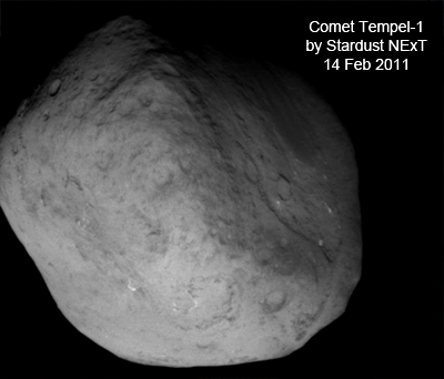 Comet Tempel-1, picture taken by Stardust NExT on 14 Feb. 2011. NASA, 2011.